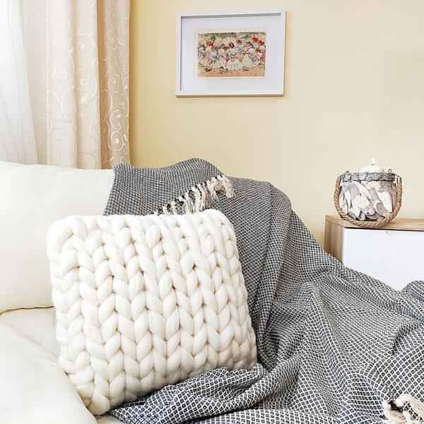 Pletený polštář z ovčí vlny, bílý